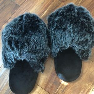 Shoes - Furry slippers